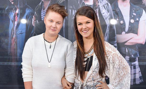 Meri Sopanen toimii X Factorissa hurmaavan kihlattunsa Saara Aallon managerina.
