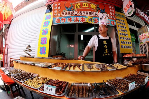 Kiinassa hyönteisnaksut ovat suosittuja.