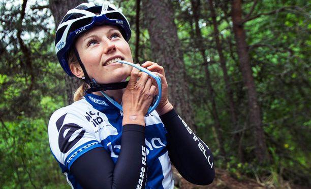 Maantiepyöräilijä Lotta Lepistö kilpailee myös Rion olympialaisissa.