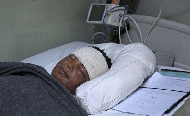 11-vuotias Yasir Nazim kärsii Isisin tekemän kemiallisen hyökkäyksen aiheuttamista vakavista oireista. Nazim toipuu parhaillaan vammoistaan sairaalassa Erbilissä.