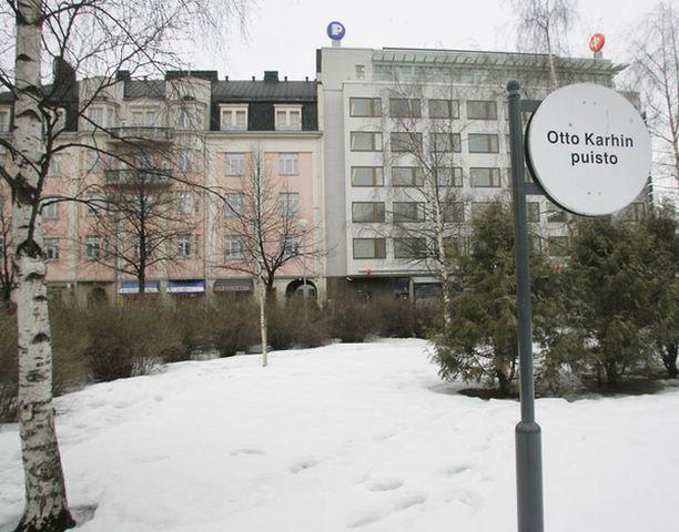 26-vuotias nainen raiskattiin Otto Karhin puistossa Oulun keskustassa joulukuussa 2006.