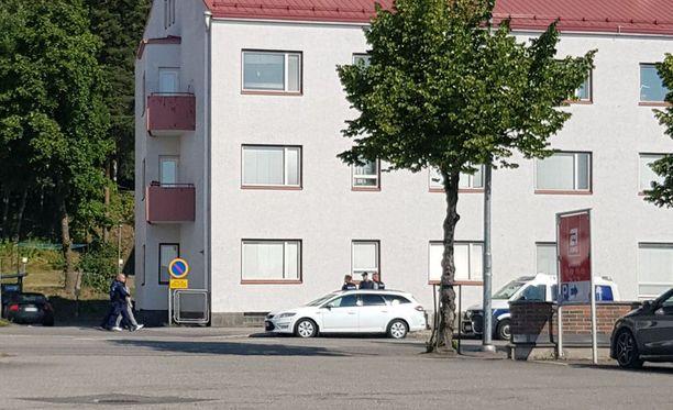 Kiinniotto tapahtui ilmeisesti miehen asunnolla, sillä miehen tiedetään asuneen Tulliportinkadulla.