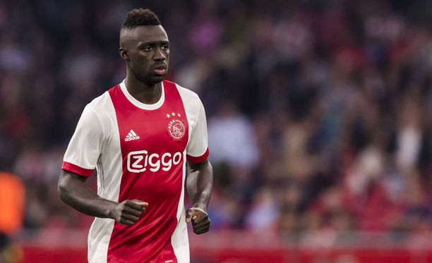 Davinson Sanchez siirtyy Ajaxista Englantiin.