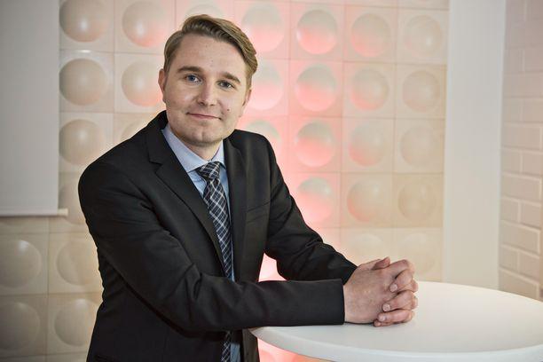 Joonas Nordman juontaa Putous Allstarsin ensimmäisiä jaksoja.