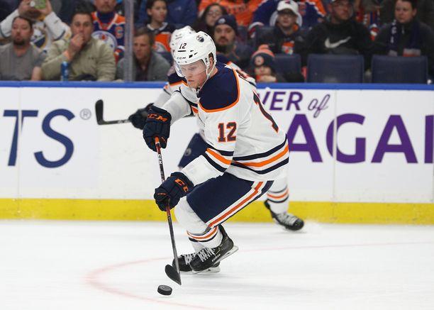 Colby Cave pelasi tällä kaudella 11 ottelua Oilers-paidassa.