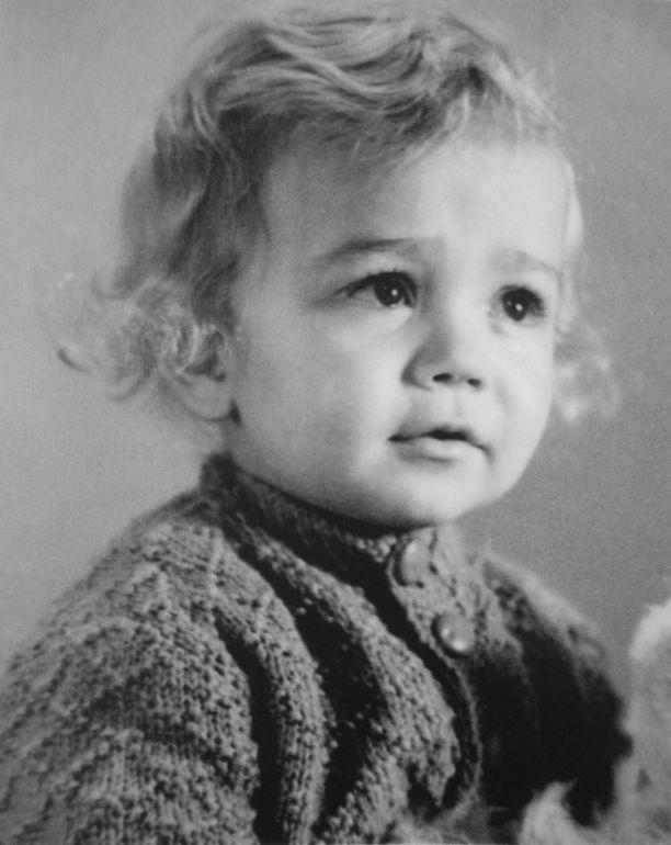 Kiharapäinen Pekka Puska päätyi ikivihreän laulun päähenkilöksi.