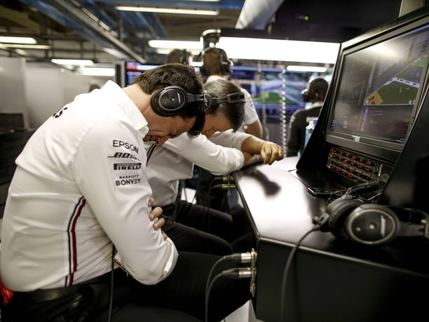 Toto Wolff antaa tunteidensa näkyä kisatapahtumien aikana. Tuorein esimerkki tästä saatiin Italian GP:n 51. kierroksella.