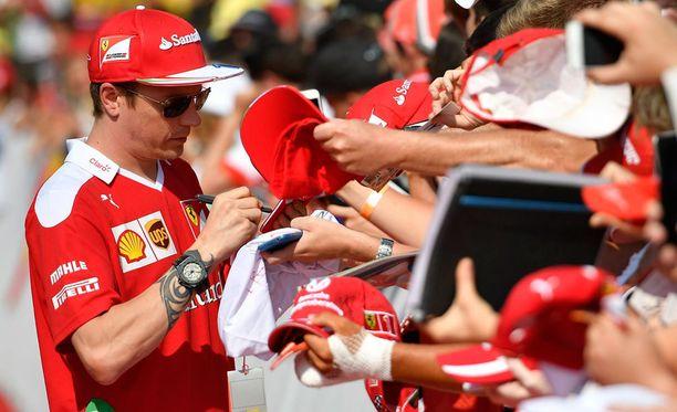 Kimi Räikkönen nousi pisteille vaikeasta lähtöasetelmasta.