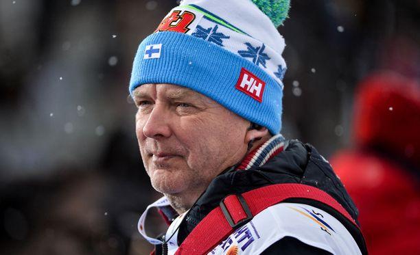 Reijo Jylhä joutui tekemään kiperän valinnan naisten 10 km perinteisellä.