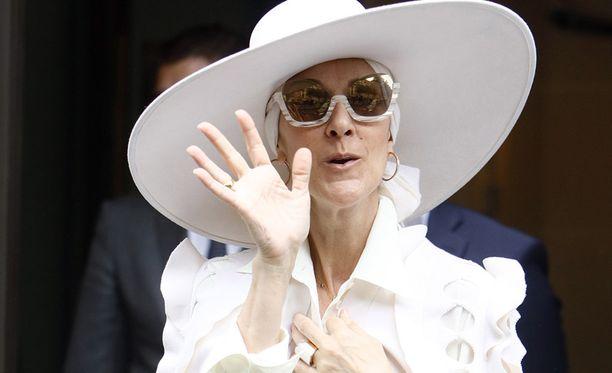Onko kaikki ok, Celine Dion?