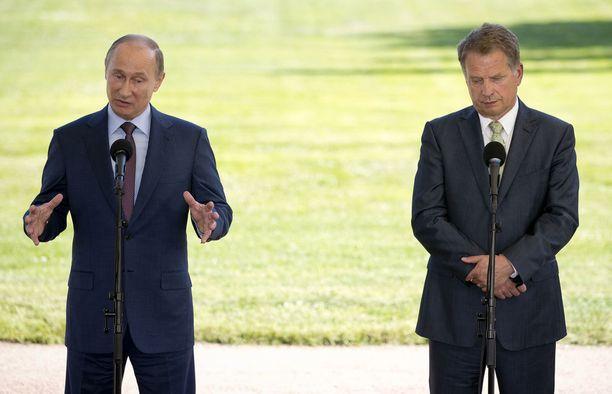 Tasavallan presidentti Sauli Niinistö korostaa, että vuoropuhelun Venäjän kanssa on syytä jatkua diplomaattikarkotuksista huolimatta.