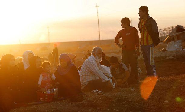 Viranomaisten mukaan Isisin jäsenet käyttävät siviilejä luultavasti ihmiskilpinä taisteluissa.