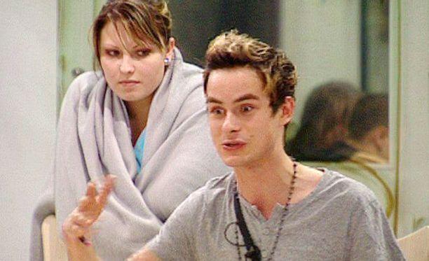 Minna Sara ja Niko Saarinen kisasivat yhdessä jo Big Brotherissa. Nyt he seikkailevat yhdessä viidakossa.