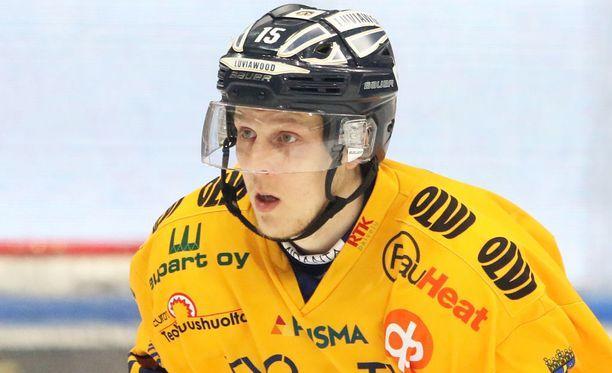 Toni Suuronen teki kaksi maalia KalPaa vastaan.