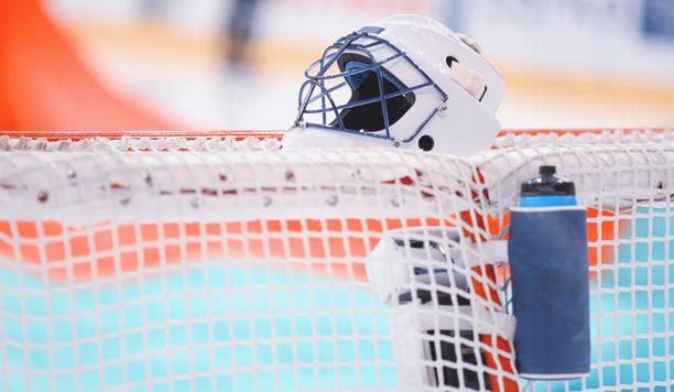 IIHF tiedotti kahdesta dopingkärystä.