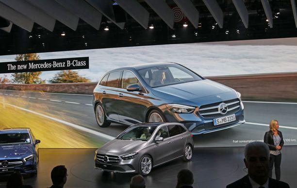 Salaisuus paljastui. Tässä on uusi B-sarjan Mercedes. Muoto on uusi mutta perinteinen.