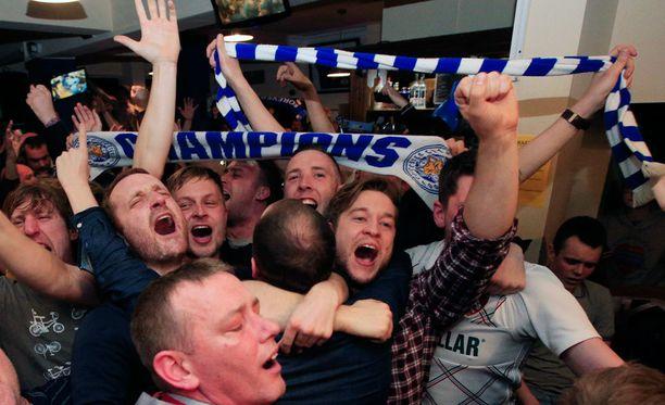 Fanit menivät pähkinöiksi, kun Leicesterin mestaruus varmistui.