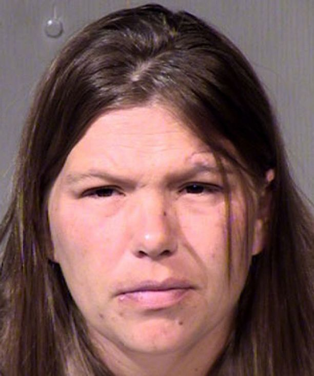 Nina on tällä hetkellä pidätetty, ja häntä epäillään vastasyntyneen vauvansa murhasta.