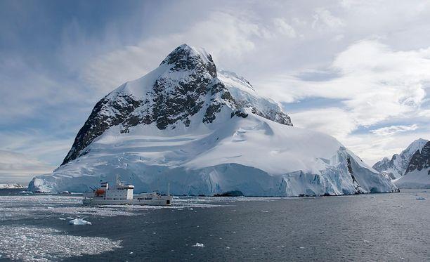 Etelämanner muuttuu kovaa vauhtia ilmastonmuutoksen takia.