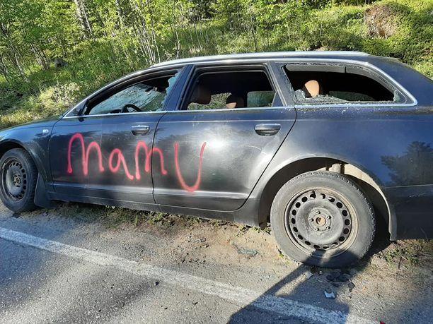 Miehen autoa käytiin turmelemassa pahoinpitelyn jälkeen.