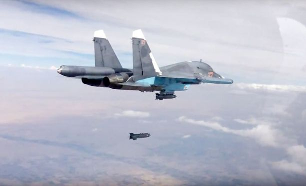 Ruutukaappaus Venäjän puolustusministeriön verkkosivuillaan julkaisemasta videosta Syyriassa tehtävistä ilmaiskuista.