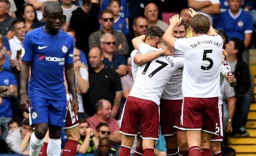 Burnley juhli Stamford Bridgellä sensaatiovoittoa.