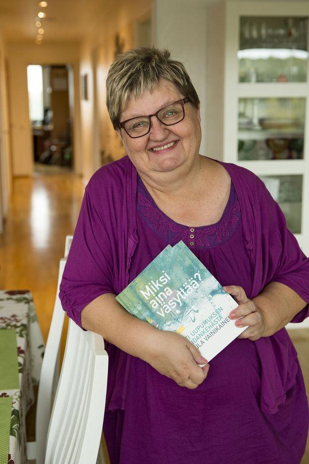 Uniapnea on Tuula Vainikaisen mukaan kansantauti, ja liian moni siitä kärsivä on ilman hoitoa. Hän on kirjoittanut kirjan Miksi aina väsyttää?