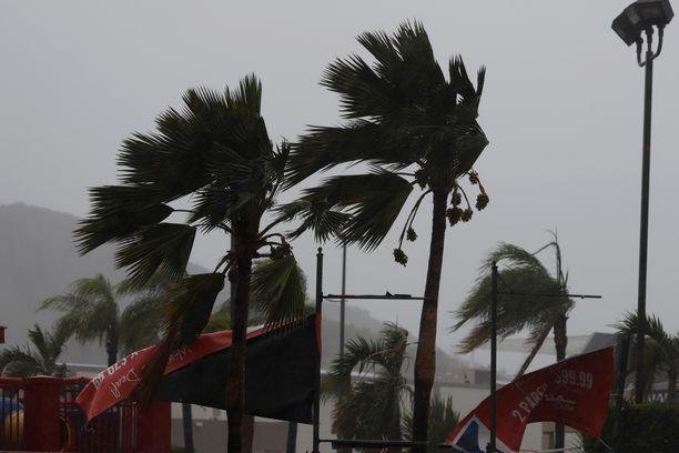 Laura-myrsky aiheutti rankkasateita monin paikoin Puerto Ricossa.