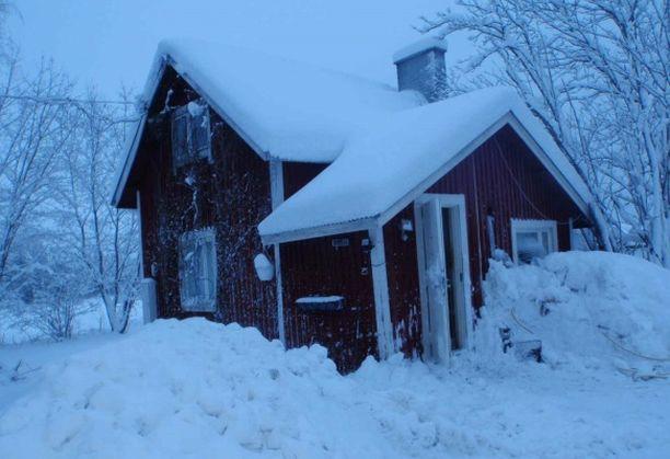 Pekka Seppäsen karu mökki on pakkohuutokaupassa. Rakennus on arvioitu huonokuntoiseksi.