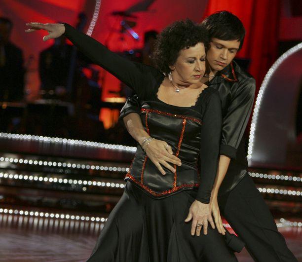 Kristiina Elstelä ja Marko Keränen tanssivat kauniisti yhdessä Tanssii tähtien kanssa -ohjelmassa vuonna 2006.