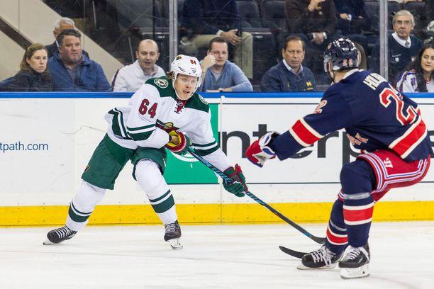 Mikael Granlund pelaa loistavaa kautta Wildin paidassa. Ennen viime yön otteluita NHL:n tehokkain suomalainen oli kerännyt 48 ottelussa pisteet 12+30=42.