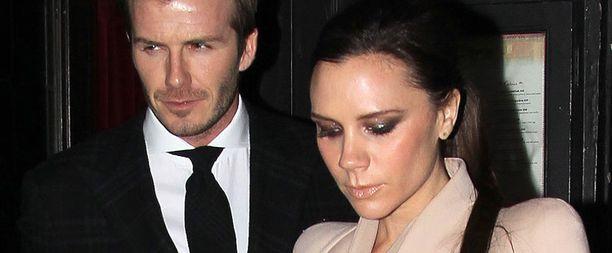 Victoria ja David Beckham asuvat kesän luksushuvilassa.