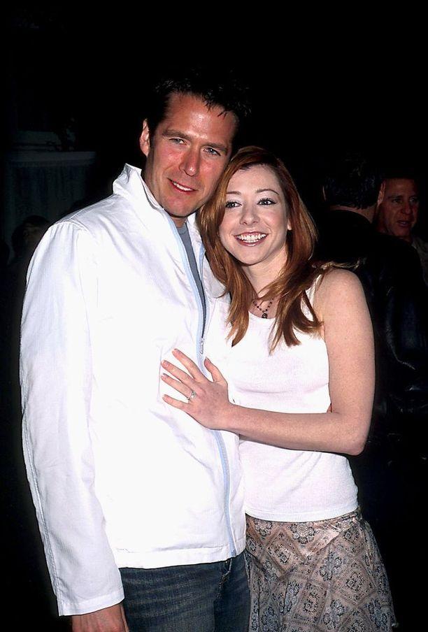 Willow'n rooli oli tärkeä Hanniganin uralle, mutta se vaikutti myös hänen yksityiselämäänsä: näyttelijä tapasi miehensä Alexis Denisofin sarjan kuvauksissa, kun miehellä pieni rooli sarjan kolmannella tuotantokaudella.