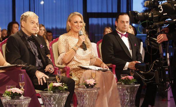Kurre Westerlund, Leena Sarvi ja Harri Moisio ovat Miss Suomi -tuomaristossa.