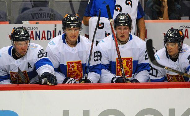 Aleksander Barkovin, Patrik Laineen ja Sebastian Ahon muodostama ketju nähdään sunnuntain ja maanantain välisenä yönä tositoimissa Pohjois-Amerikan joukkuetta vastaan.