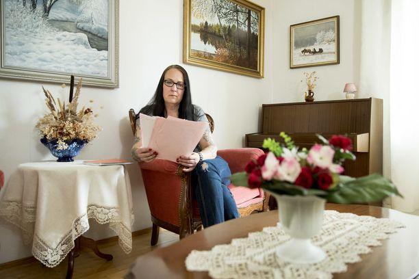 Mia Kujanpään kokemukset kuolevan omaisen viimeisistä hetkistä ovat samankaltaiset kuin muilla julkisuudessa kokemuksistaan kertoneilla.