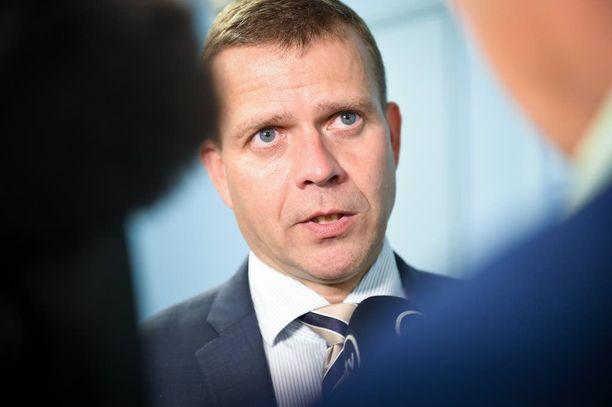 Valtiovarainministeri Petteri Orpo on eri linjoilla kuin Juha Sipilä.