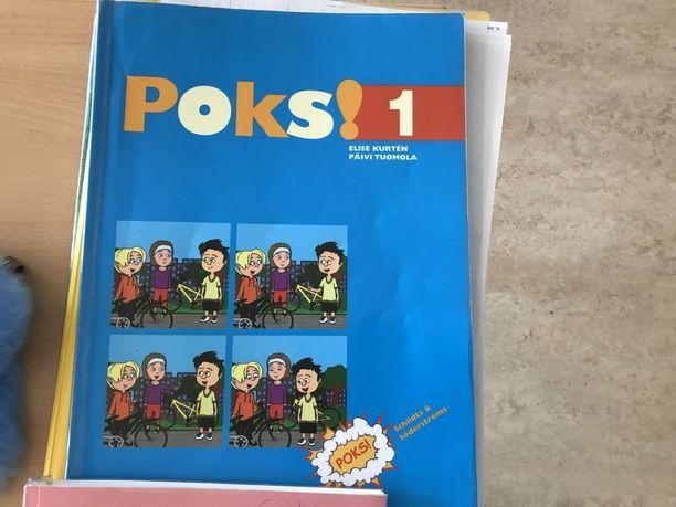 Monet Lumparlandin koulun 5. ja 6. luokkalaiset pitävät Poks-kirjasarjaa lapsellisena, koska se on suunniteltu 3. luokkalaisille.