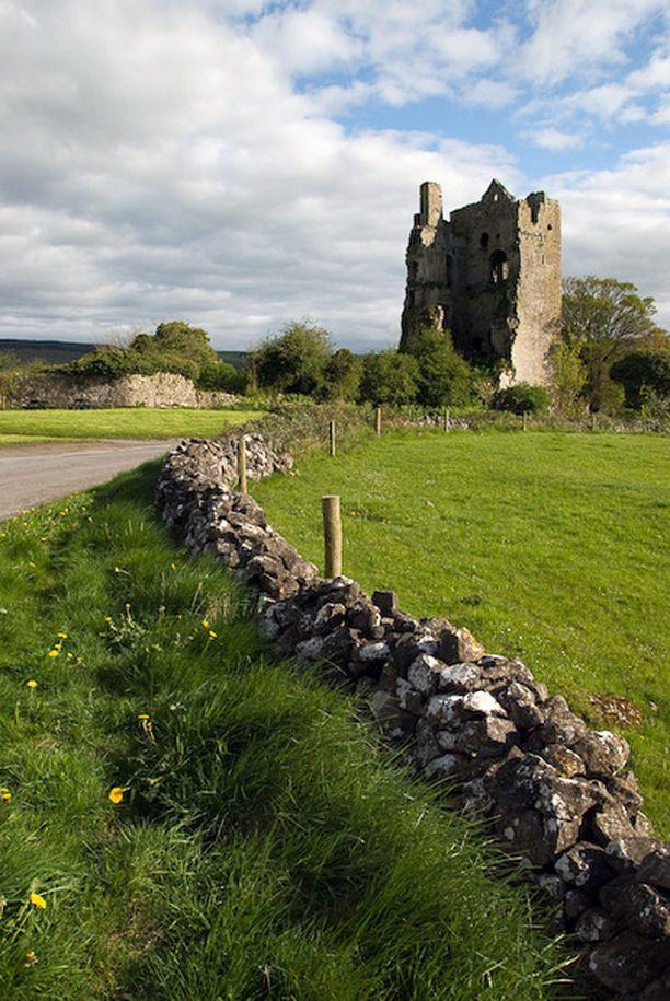 Tapaus sattui Irlannissa sijaitsevan Cullahillin pikkukaupungin lähellä. Kuvassa Cullahillin linnan rauniot.