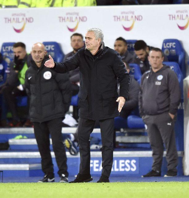 Jose Mourinhon mukaan Unitedin seurajohto ei sijoita tarpeeksi joukkueen menestykseen.