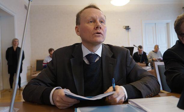 Timo Räty oikeudessa maanantaina.