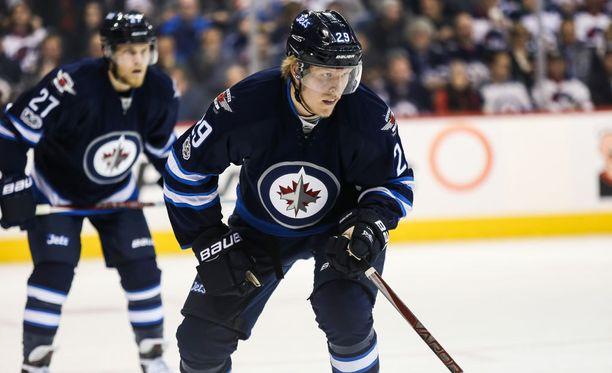 Winnipeg Jetsin Patrik Laine kirjoitutti NHL:n ennätysten kirjaan uuden kappaleen.