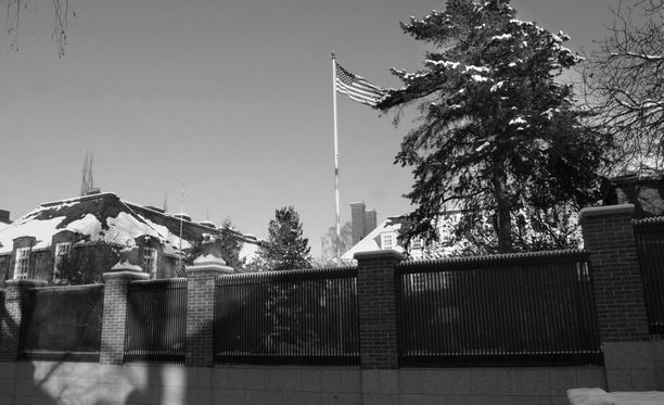 Yhdysvaltain suurlähetystö Helsingissä.
