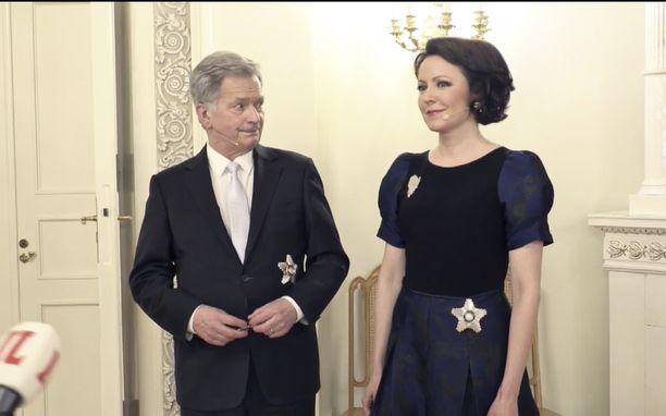 Presidentti Sauli Niinistö ja rouva Jenni Haukio kertoivat itsenäisyyspäivän kuulumisiaan Iltalehden haastattelussa.