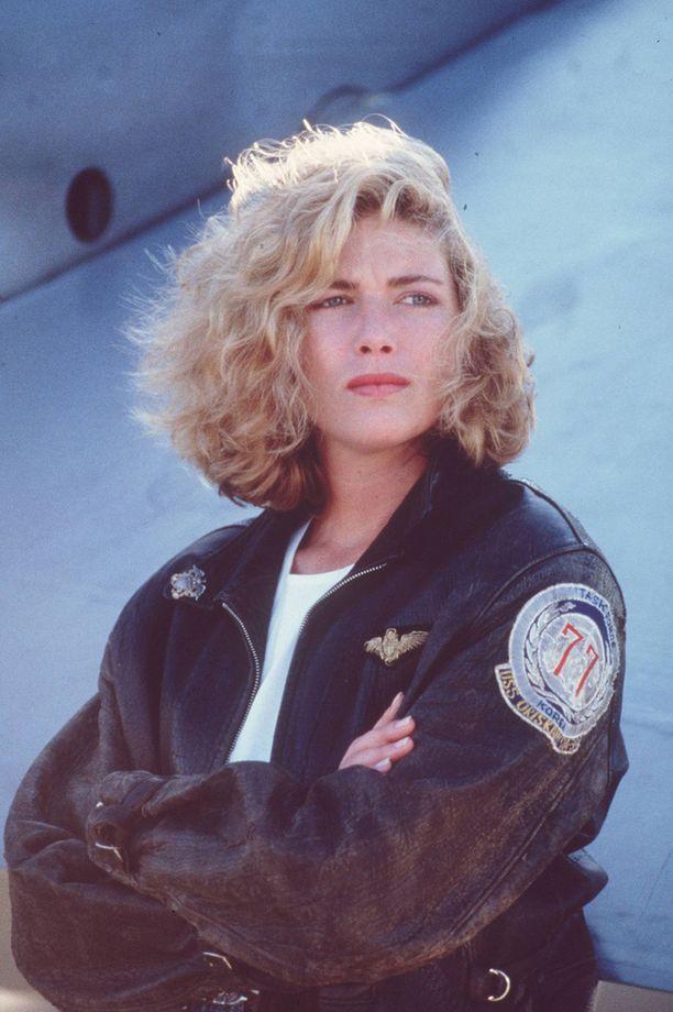 Kelly McGillis ihastutti lentäjäkonsulttina Charliena.