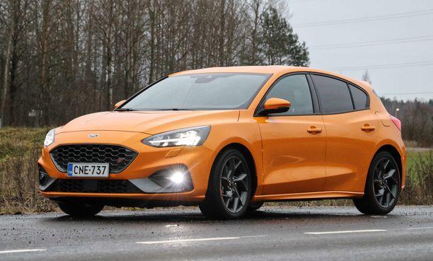 Ajoautomme oranssi väri on nähty myös Mustangeissa.