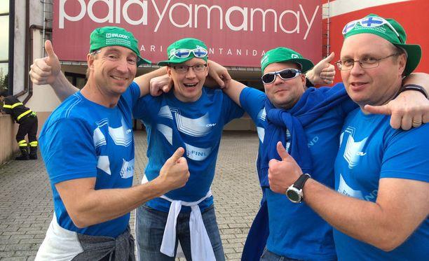 Kari Nurminen, Saku Valtonen, Markku Konttinen ja Jomppe Kuikka kannustavat tänään Suomea Venäjää vastaan.