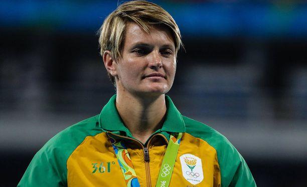 Sunette Viljoen tuli ulos kaapista vuonna 2013.