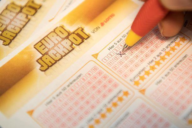 Eurojackpotissa ei tällä kertaa voitettu pääpottia.