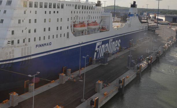 Suomeen saapuu turvapaikanhakijoita Finnlinesin autolautoilla.